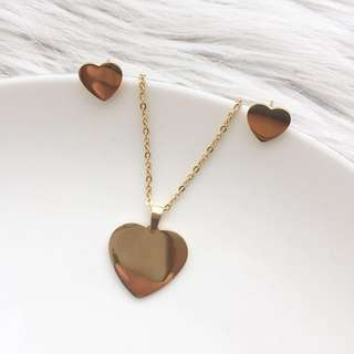 Non Tarnish Necklace and Earrings Set