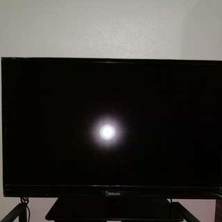 Ultra slim smart LED TV