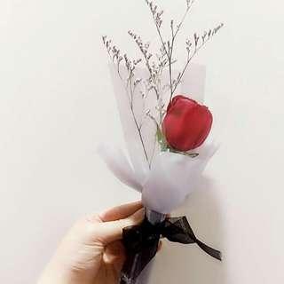 1 red fresh rose