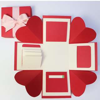 Classic Red and Beige Explosion Gift Box