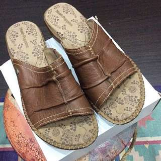 HUSH Puppies sendal wanita