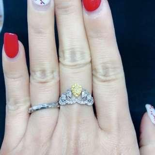 情人節優惠 黃鑽戒指💎💍 黃鑽梨形1d-0.12ct  黄鑽襯石11d-0.064ct  白鑽梨形4d-0.297ct  白鑽襯石19-0.198ct $6980
