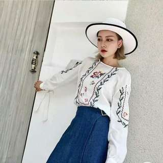 INSTOCK / FLORAL EMBROIDERED PIXELATED LONG SLEEVE BLOUSE