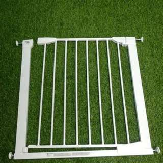 Lindam safety gate