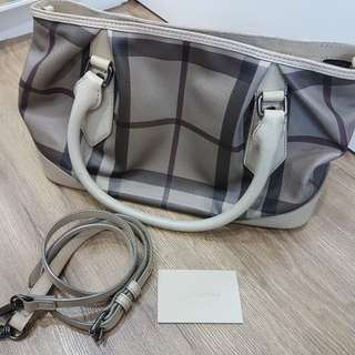 Authentics Burberry Handbag