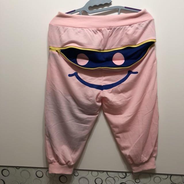 粉紅微笑拉鍊休閒6分褲-2