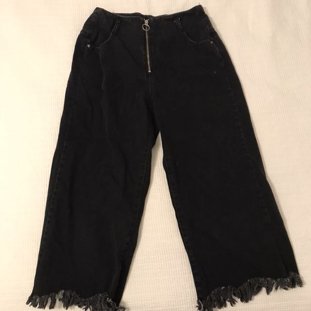 Black flared crop jeans from Zara size 6