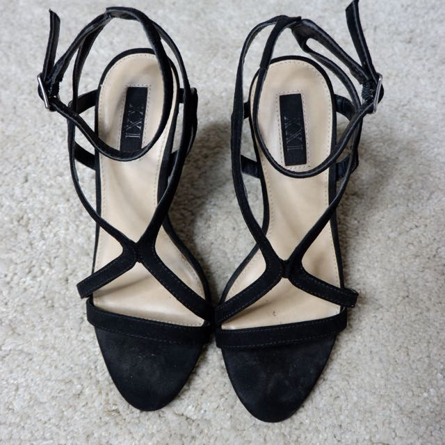 Black heels XXI