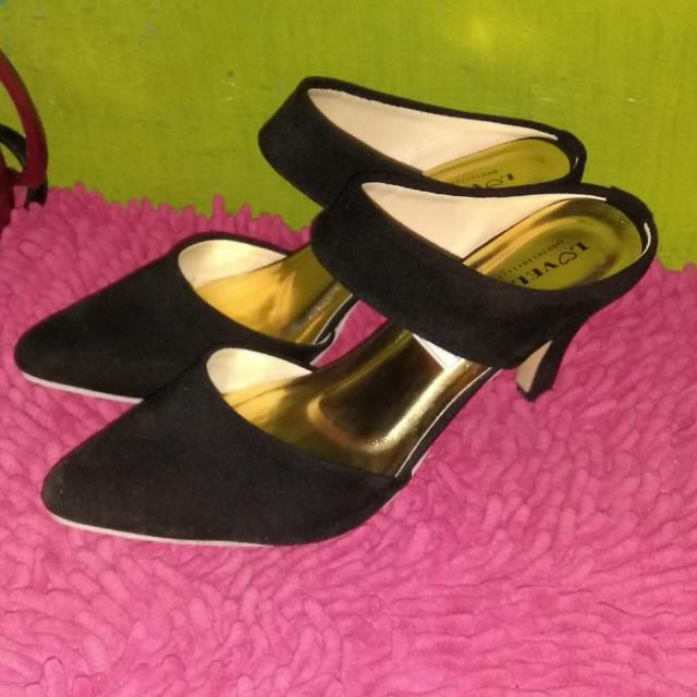 Black Velvet Point Heels