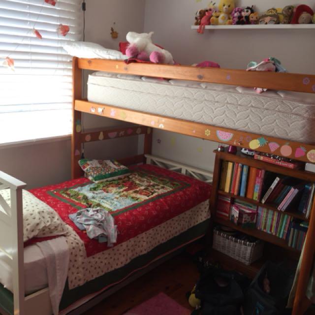 Bunk beds single