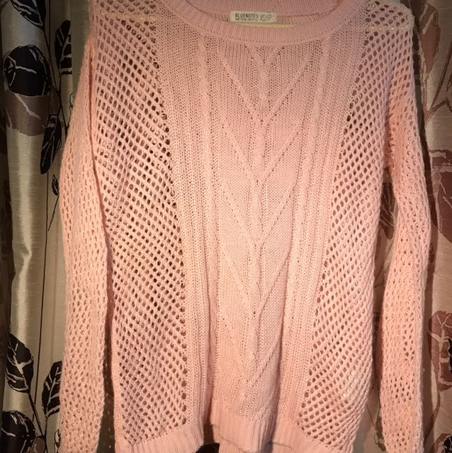 Chic pink sweater