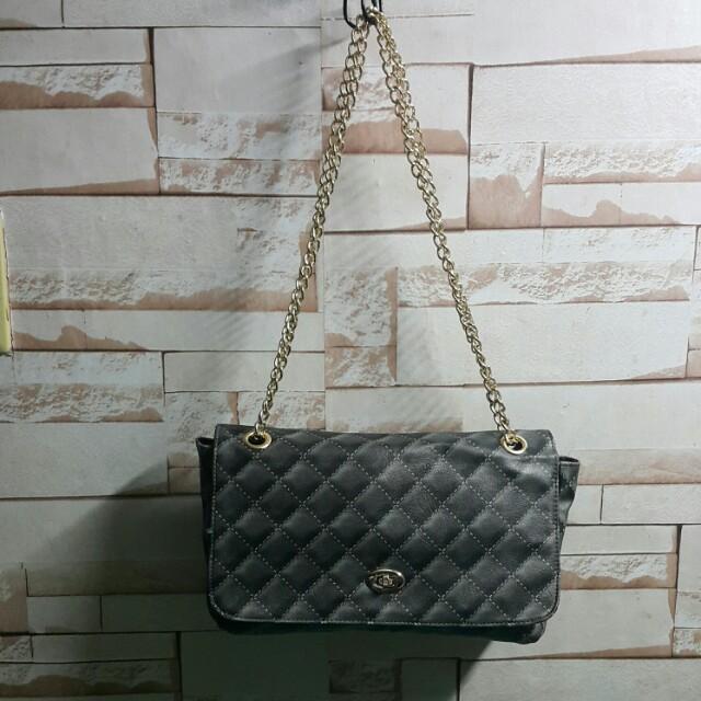 Châtelaine chain bag