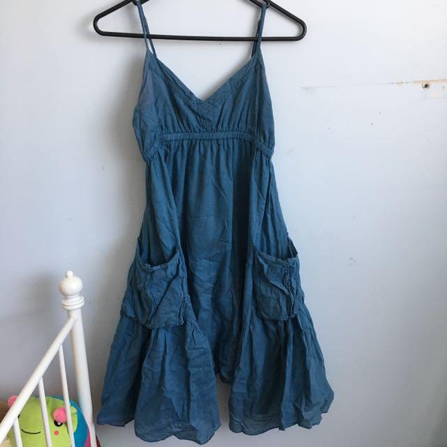 Cute blue pocket dress/ Serena vanderwoodsen style