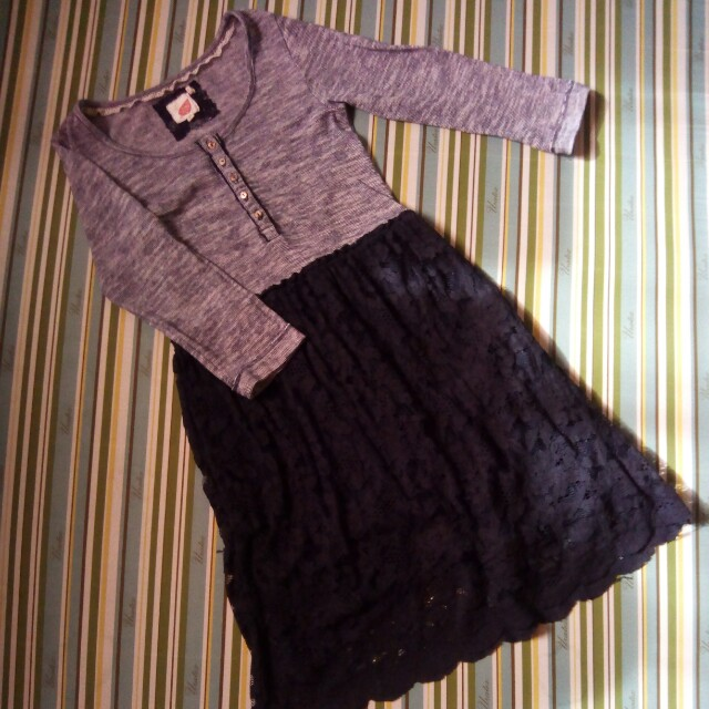 Dress (stripe top & lace skirt)