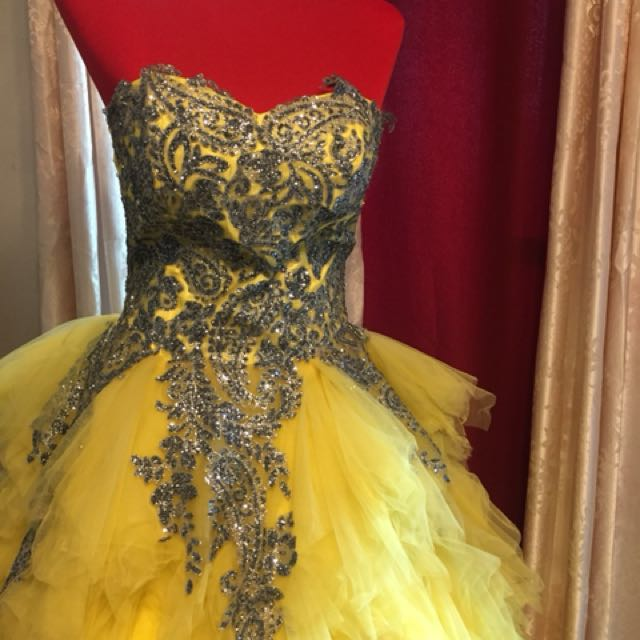 Elegant Gown for rent for debut/parties