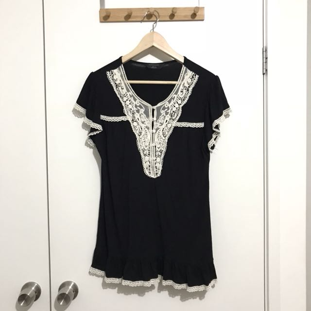 Expression Black and Cream Lace Collar Top