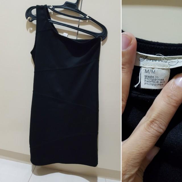 Forever 21 black venus cut dress