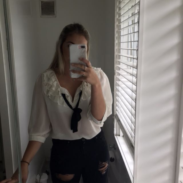 Glassons sheer top S14
