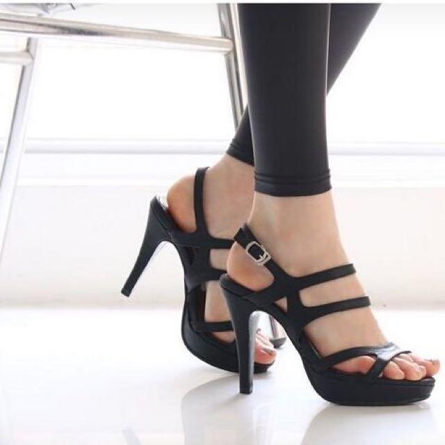 Harga Femine Sepatu Sandal High Heels Wanita SDH 28 Hitam Source · Beranda Preloved Fesyen Wanita