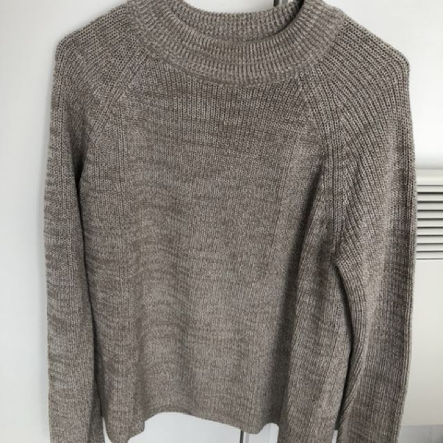 H&M basic knitted sweater