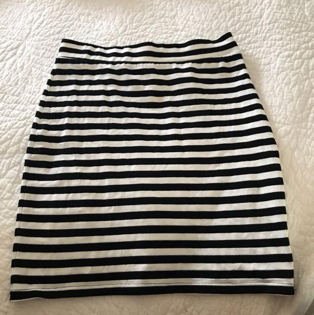 H&M striped skirt XS