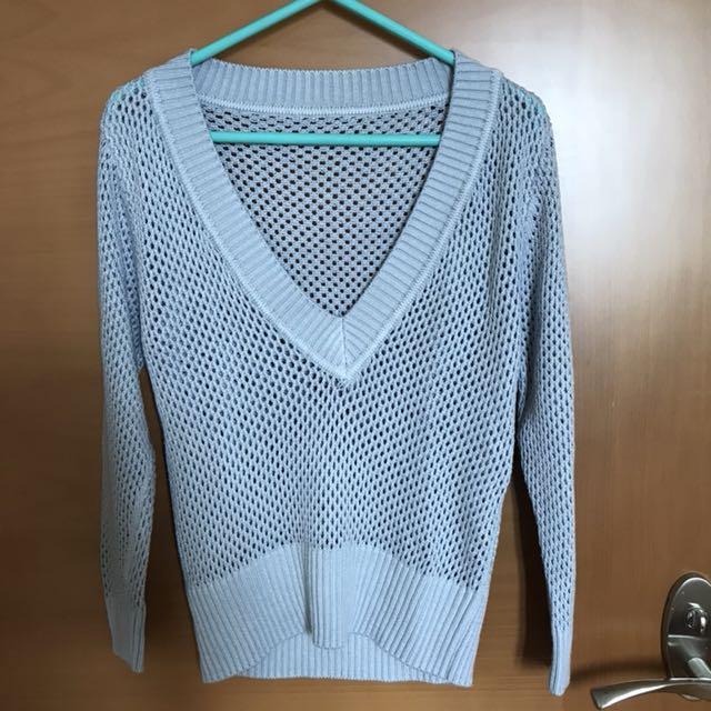 Knitted v neck sweater