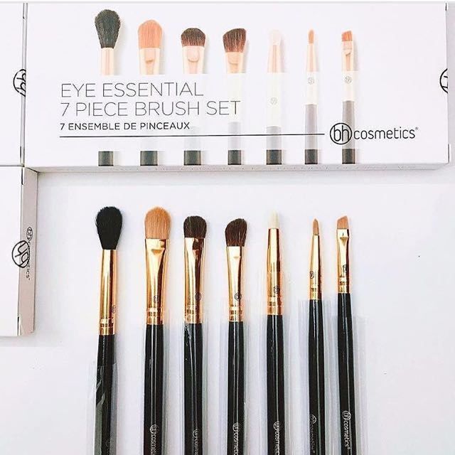LOOKING FOR BH COSMETICS EYE ESSENTIAL BRUSH SET