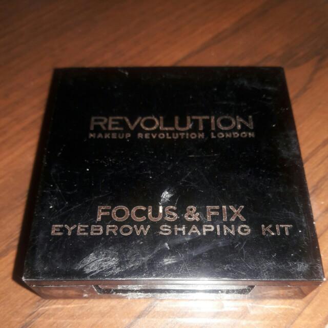 英國品牌Makeup revolution四格眉彩眉粉盤#light medium