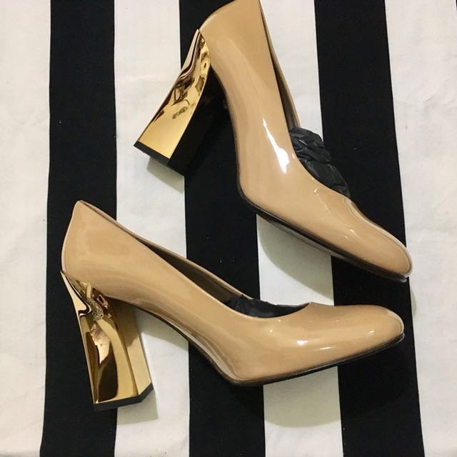 Marni Pump Shoes in Nude/gold