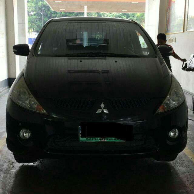 Mitsubishi GRANDIS 2011 Model