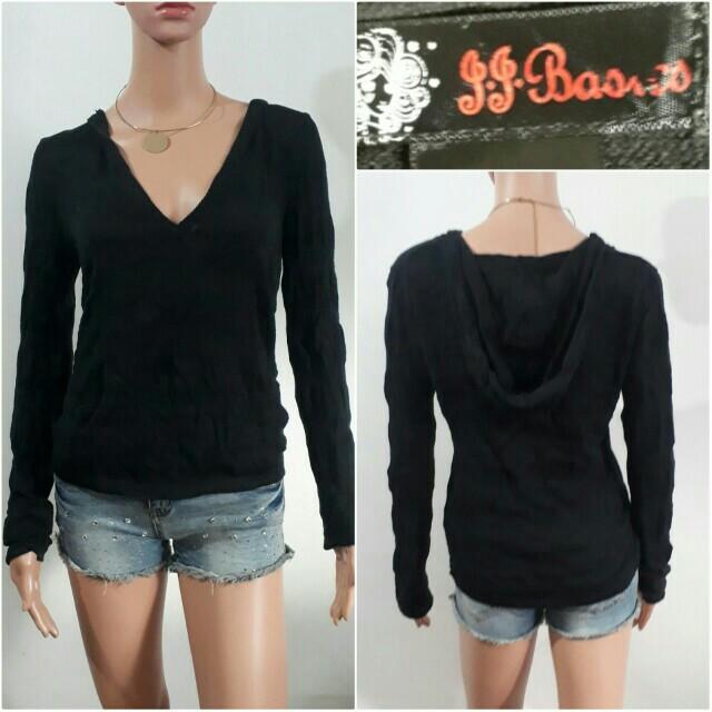(M-L) JJ  Basics black hooded sweater