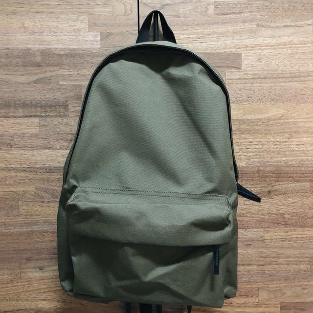 無印MUJI 聚酯纖維後背包/附側面口袋/卡其 新款