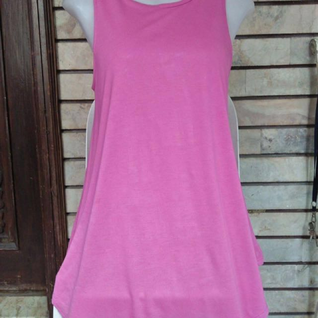 Old navy long sleeveless blouse(new with tag) with flaw