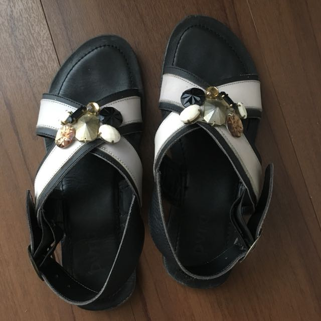 PVRA black and white sandals