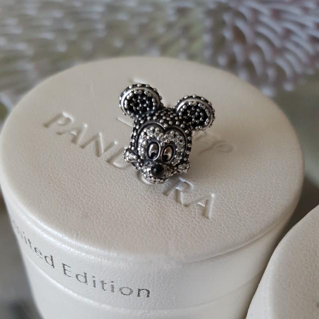 Retired Pandora Paved Minnie & Mickey Mouse