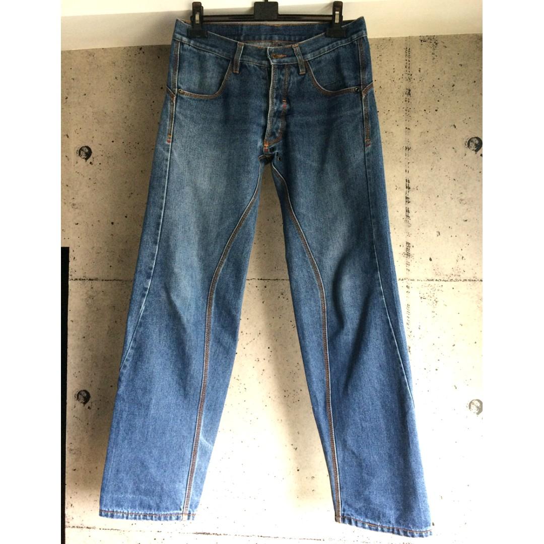 SCUM日本買的3D立體剪裁牛仔褲