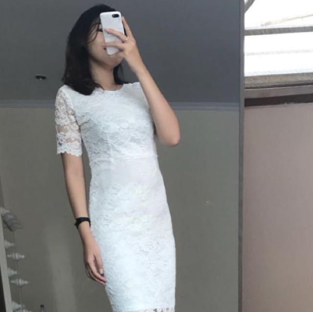 Tiff dress in white