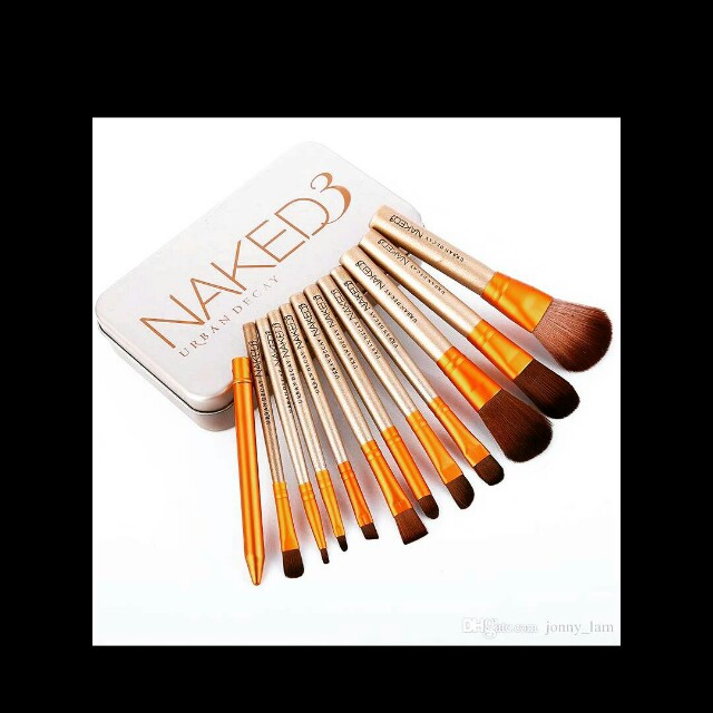 Urban Decay Naked makeup brushes