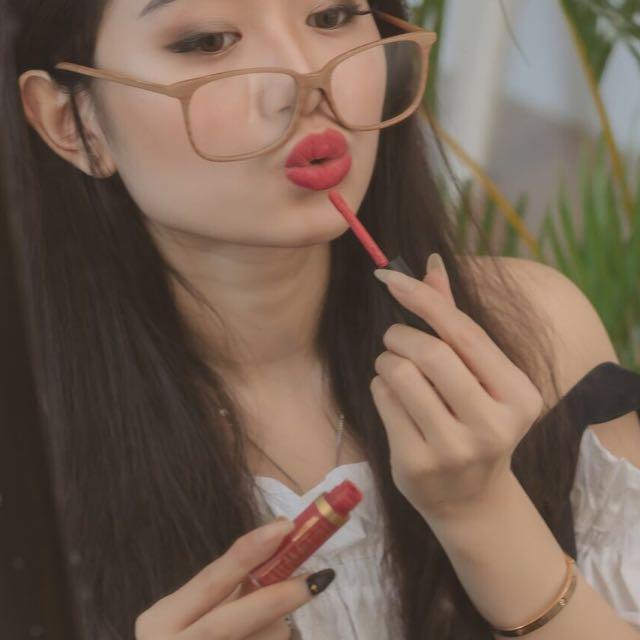 Wooden Glasses & Lippies ( lgsung ak jual sekalian ya )