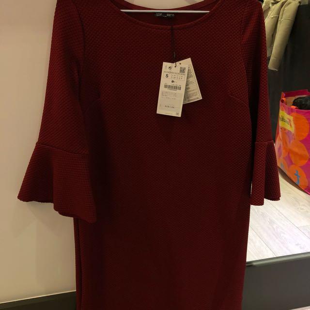 Zara暗紅洋裝