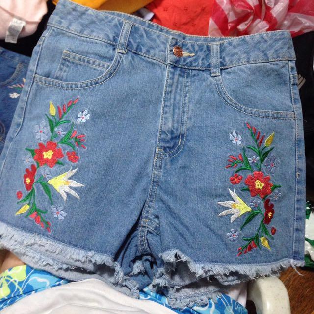 Zara embroidered mom jeans