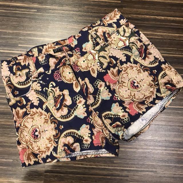 Zara short pants