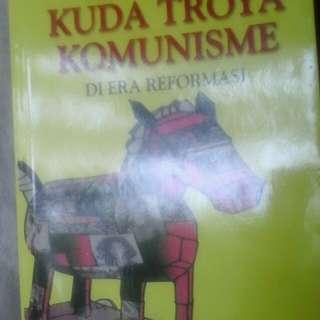 buku komunis