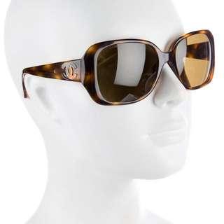 CHANEL Iconic 5101 Art Deco Sunglasses Tortoiseshell Enamel Oversized Sunnies Glasses Shades with Original Chanel Hardcase