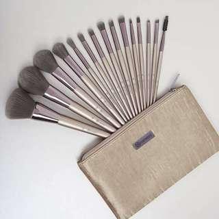 BH Cosmetics Lavish Elegance 15pcs Makeup Brush