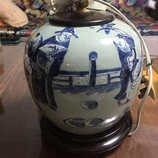 Antique blue motifs Vase converted into table lamp