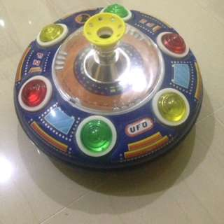 vintage tin toy ufo series II blowing ball 1970
