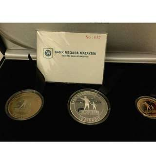 Malaysia International Year of Astronomy 2009 Proof Coin set of 3 Gold Rare