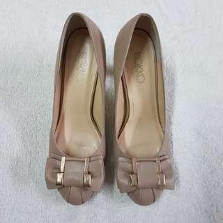 KOKKO專櫃米色蝴蝶結跟鞋36