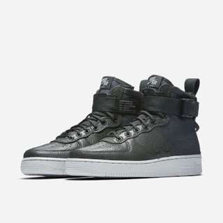 NIKE AIRFORCE 1 LOWCUT BOOTS